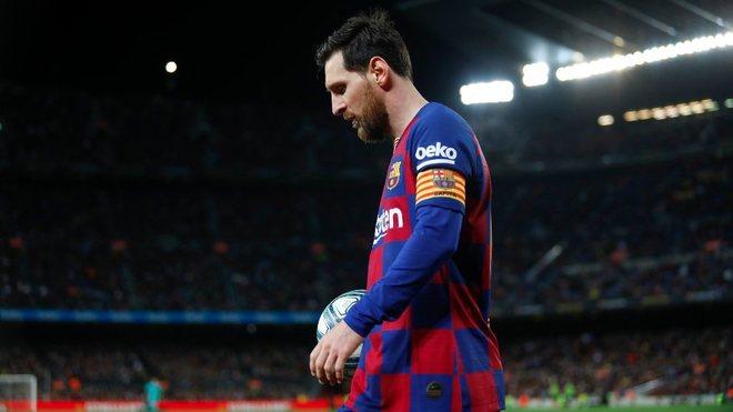 Messi, cabizabajo en un partido del Barcelona.