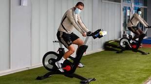 Hazard, en la bicicleta estática.