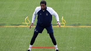 Thompkins se ejercita en el primer día de entrenamientos del Real...