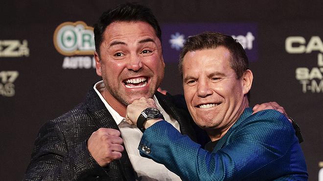 De la Hoya y JC Chávez, leyendas del boxeo.