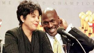 Juanita Vanoy y Michael Jordan, durante una rueda de prensa del mito.