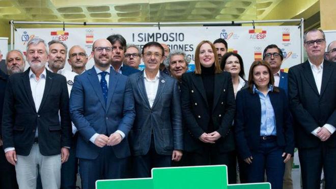 José Hidago, presidente de la ADESP, junto a otros presidentes de...