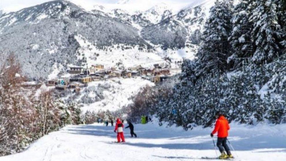 El índice de satisfacción global de los esquiadores es de 8,48 sobre...