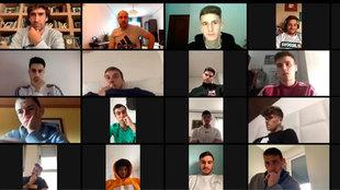 Imagen de la videollamada realizada por Raúl con sus jugadores