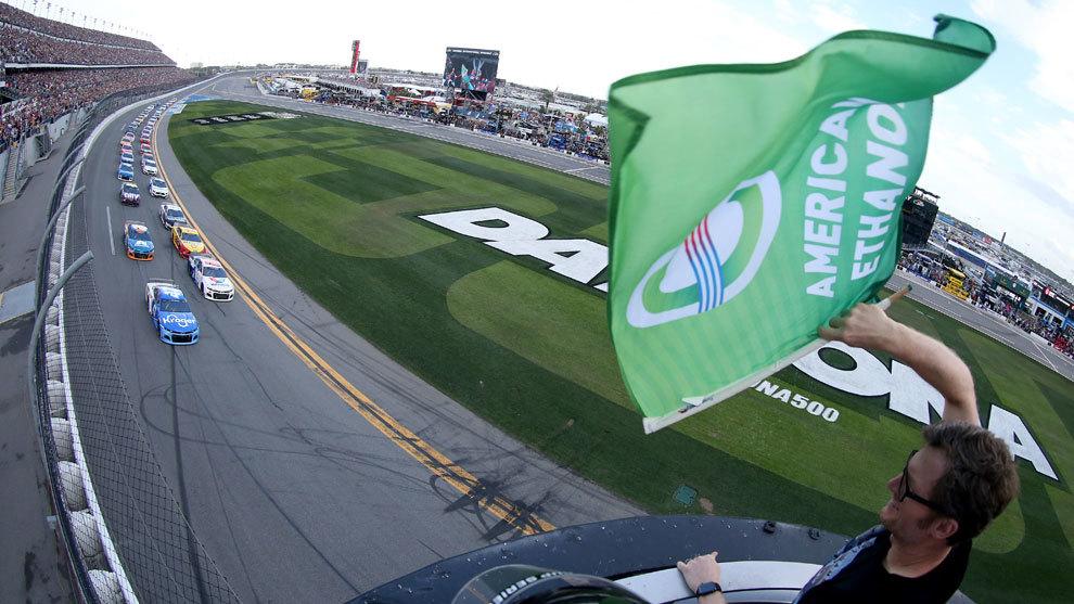 Dos meses después, vuelve la NASCAR.