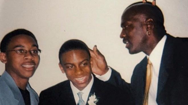 Michael Jordan junto a sus hijos.