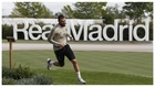 Benzema, corriendo por las instalaciones de Valdebebas.