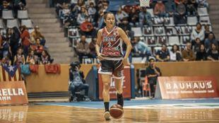 Laia Palau, en un partido con el Girona.