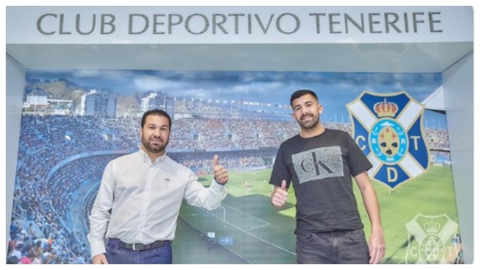 Juan Carlos Cordero y Alberto Jiménez haciendo la señal del OK