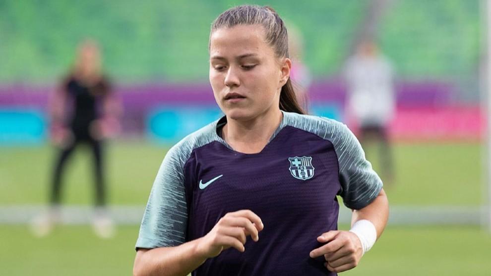 Claudia Pina durante un entrenamiento con el primer equipo.