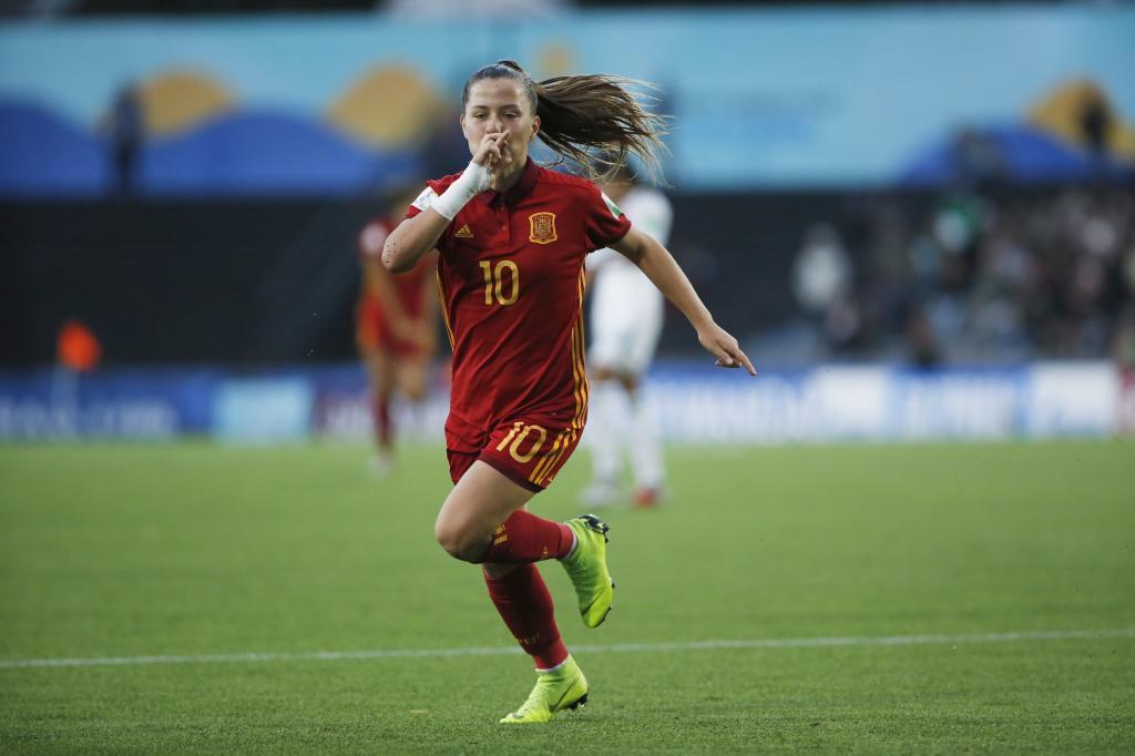Claudia Pina celebra un gol con España en el Mundial Sub'17.