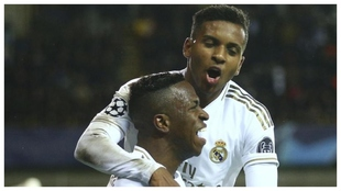 Vinícius y Rodrygo celebran un gol con el Madrid.