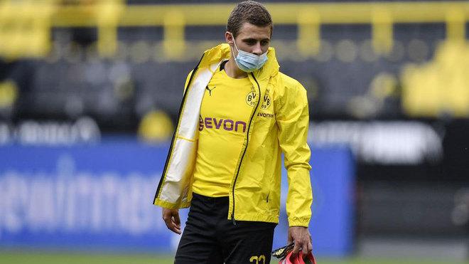 Thorgan Hazard after the game against Schalke.