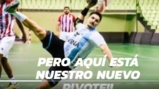 Cartel del fichaje del pivote internacional argentino Gastón Mouriño...