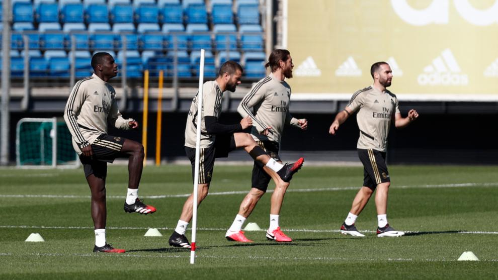 El técnico Zinedine Zidane asume de nueva cuenta el mando del Real...