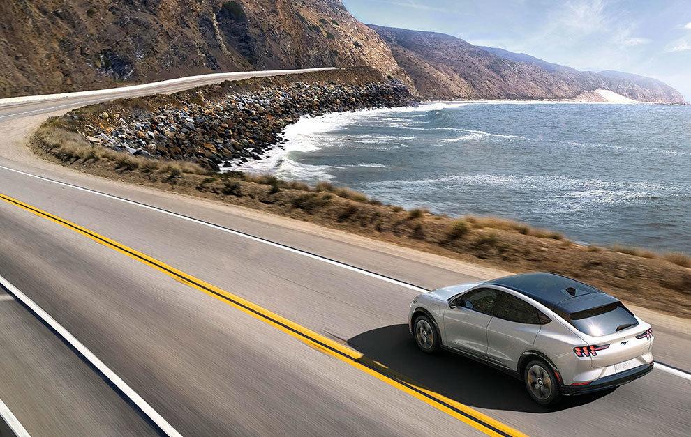 El Mustang Mach-E alcanza hasta 600 km de autonomía.