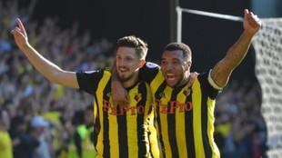 Deeney, a la derecha, celebra un gol del Watford