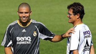 Ronaldo y Capello, durante un entrenamiento en el Rea Madrid.