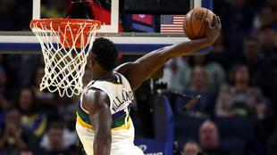 Zion Williamson machaca en un partido con los Pelicans