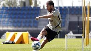 Hazard, en un entrenamiento esta semana en Valdebebas.