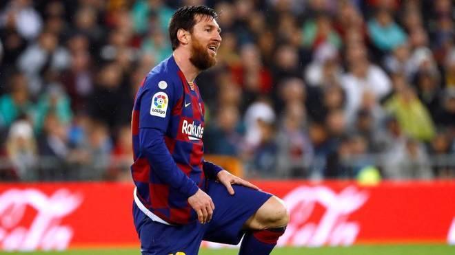 Messi facing a losing battle against Cristiano Ronaldo