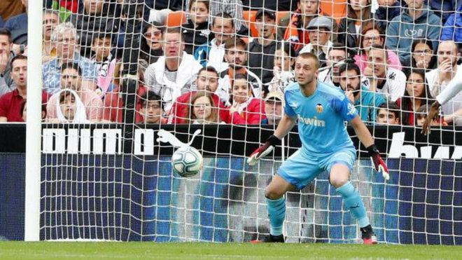 El Ajax, pendiente de Cillessen y del Valencia