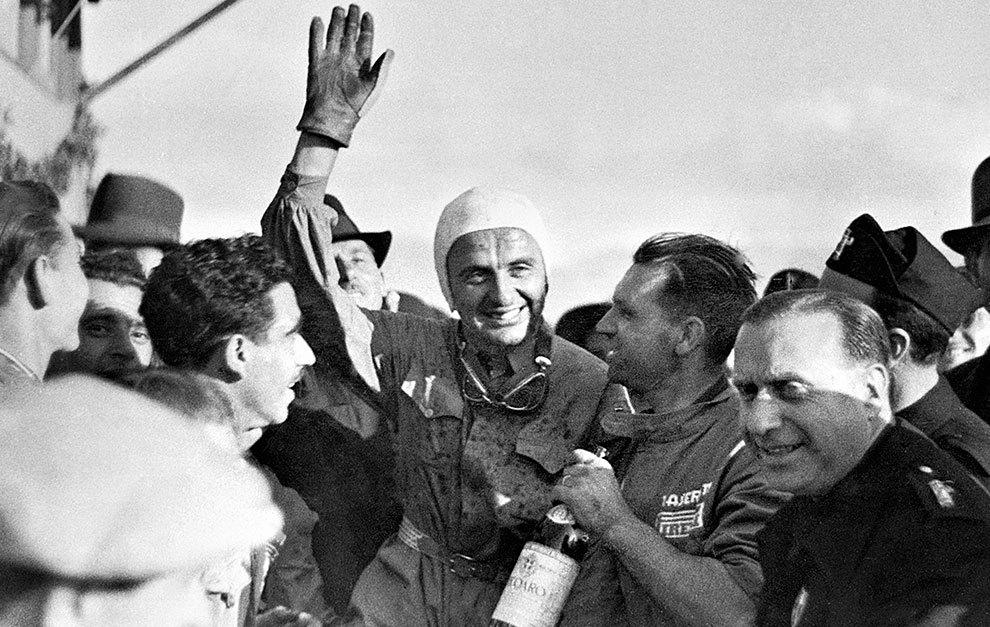 Luigi Villoresi, celebrando la victoria de la que se cumplen 80 años.