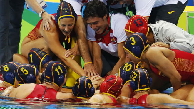 La selección femenina de waterpolo, en los Juegos de Río 2016.
