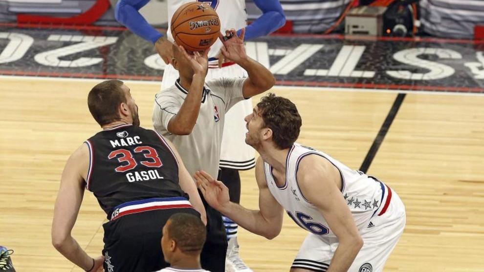 Salto inicial entre Marc y su hermano Pau en el All Star de 2015.