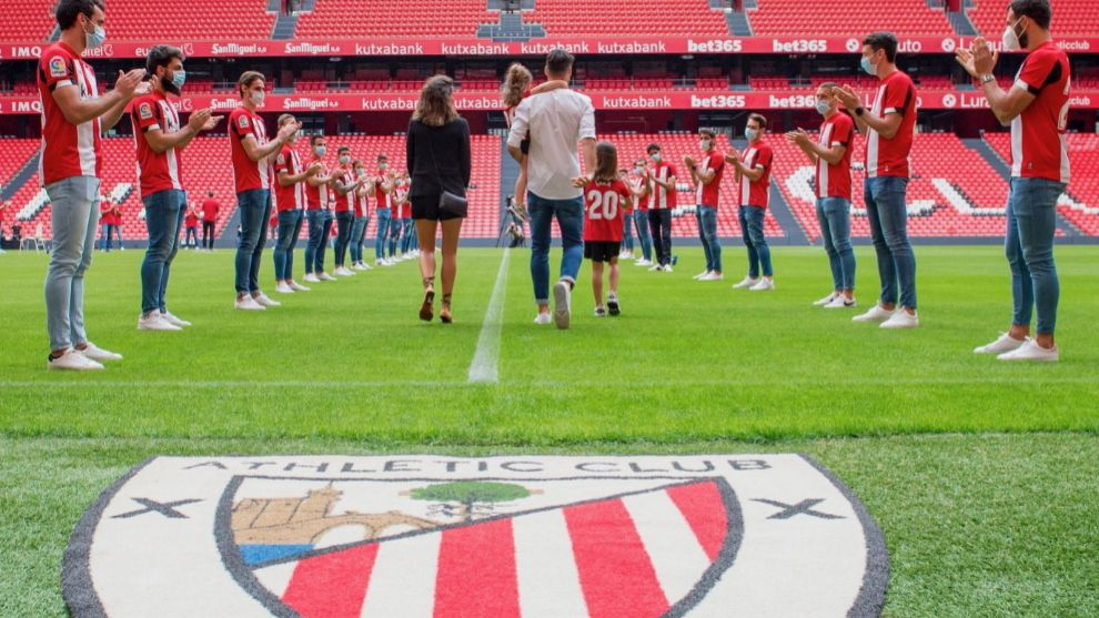 Aduriz jumps to the c