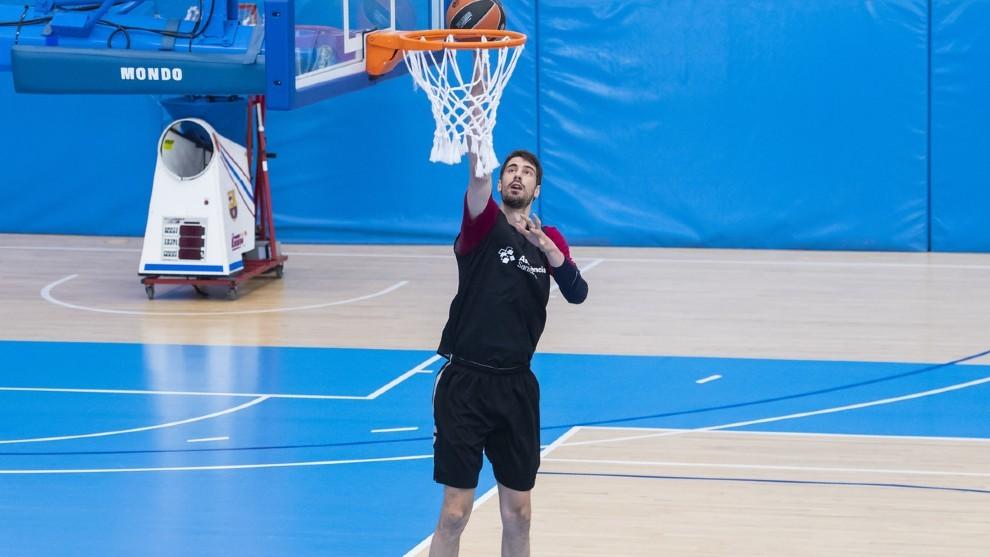Tomic, entrenándose en las instalaciones del Barcelona esta semana.