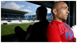 Manolo Gaspar observa un entrenamiento