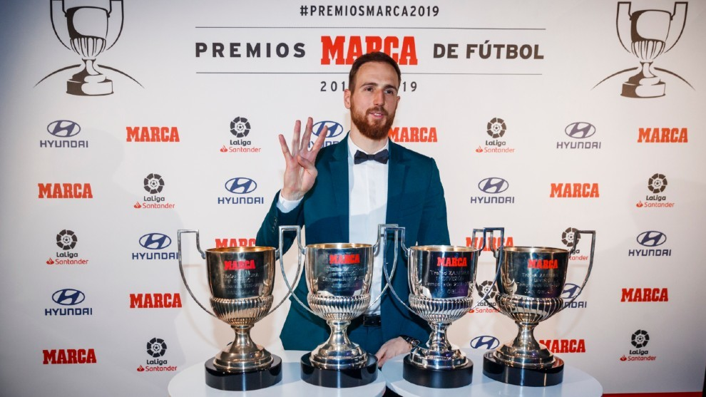 Oblak's most difficult challenge yet: Beating Courtois to the Zamora trophy