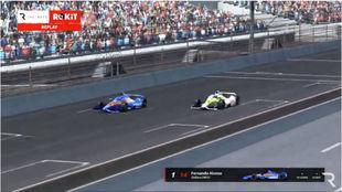 Alonso (de azul)  y  Button, en los metros finales.
