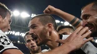 """Chiellini: """"Entendería que Bonucci se hubiese ido al Madrid... ¿pero al Milan?"""""""