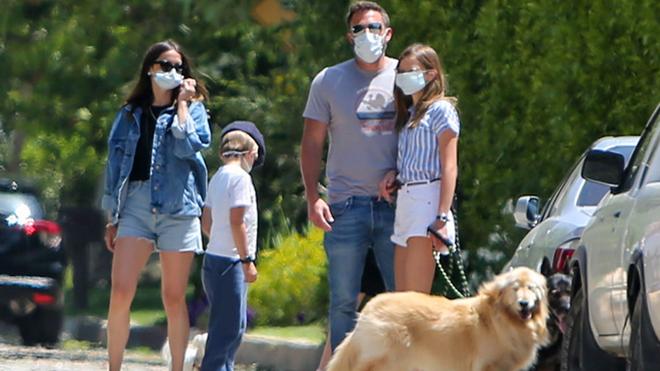 El paseo familiar de Ana de Armas con Ben Affleck