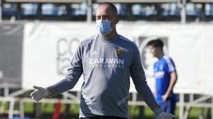Víctor Fernández durante un entrenamiento.