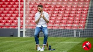 Aduriz, durante el acto de homenaje que le ofreció el Athletic el...