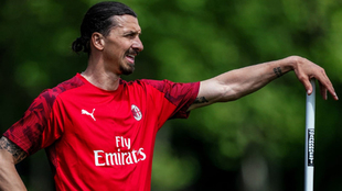 Zlatan podría estar lesionado del tendón de Aquiles.