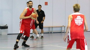 Marc Gasol, en un entrenamiento con el Girona.