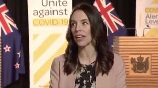 La reacción de la presidenta de Nueva Zelanda al sentir un terremoto en una entrevista en directo