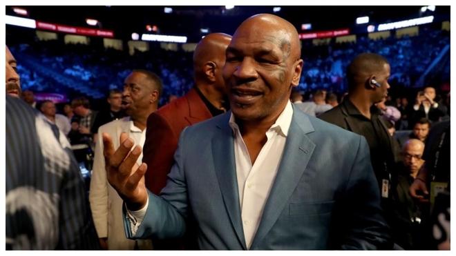 Mike Tyson, asistiendo a un combate hace tres años.