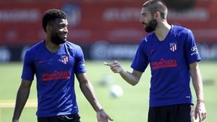 Lemar y Carrasco en un entrenamiento.