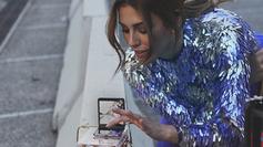 Blanca Suárez sorprende con su lado SMARTgirl gracias al nuevo Galaxy Z Flip