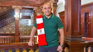 Ángel Villacampa durante el acto de renovación con el Athletic Club.