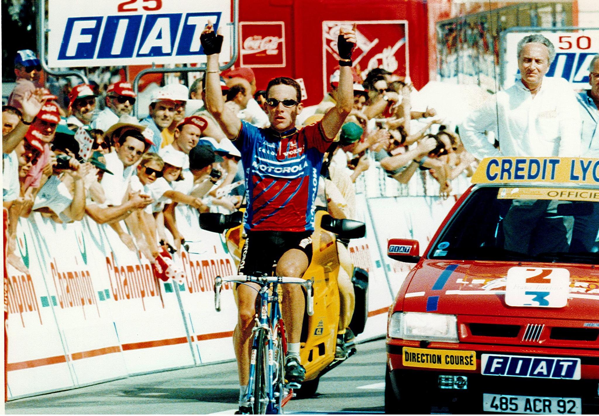 Lance celebrando una de las primera victorias