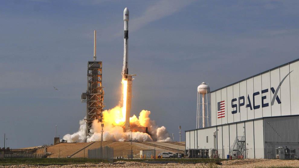 Se aplaza al sábado el lanzamiento tripulado de SpaceX y la NASA ...