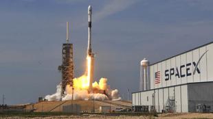 Lanzamiento de un cohete por parte de SpaceX