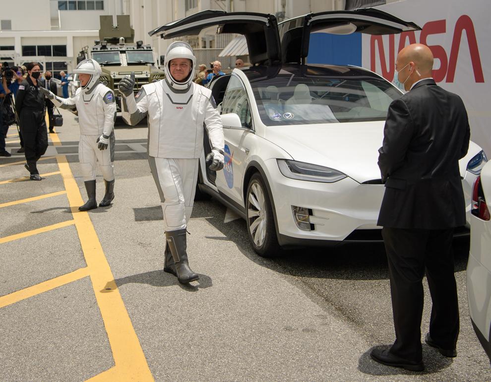 Los astronautas, hoy, justo antes del lanzamiento.