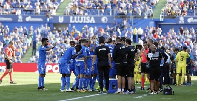 Getafe y Villarreal, en una parada para refrescarse motivada por el...